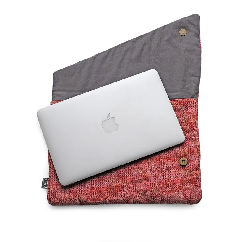 originele laptophoes breiwerk roze rood biokatoen