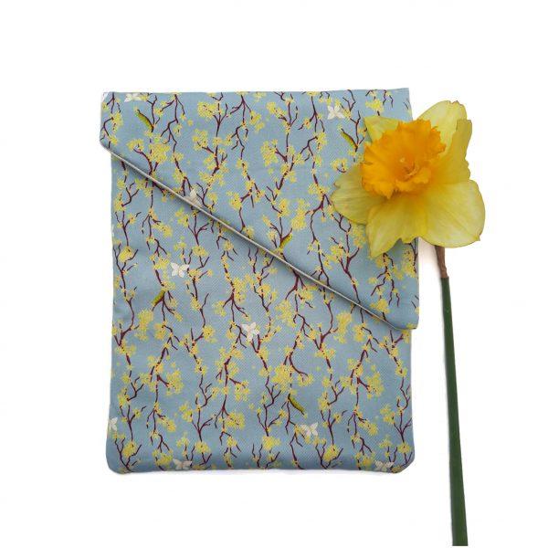 Tablethoes met bloemenprint